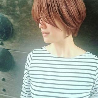ベリーショート ショート ハイトーンカラー フェミニン ヘアスタイルや髪型の写真・画像