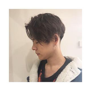 センターパート 刈り上げ メンズ メンズカット ヘアスタイルや髪型の写真・画像 ヘアスタイルや髪型の写真・画像