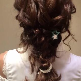 編み込み ヘアアレンジ ナチュラル パーティ ヘアスタイルや髪型の写真・画像
