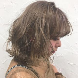 ミルクティー 前髪あり ボブ フリンジバング ヘアスタイルや髪型の写真・画像