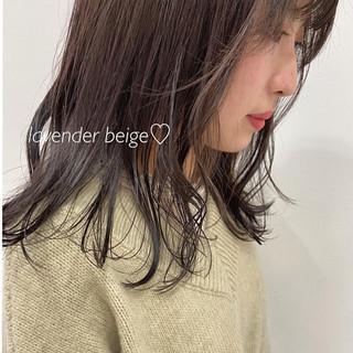 ミディアム ラベンダーカラー ラベンダー シアーベージュ ヘアスタイルや髪型の写真・画像