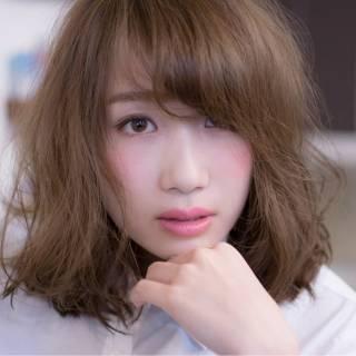 アッシュグレージュ モテ髪 コンサバ グレージュ ヘアスタイルや髪型の写真・画像 ヘアスタイルや髪型の写真・画像