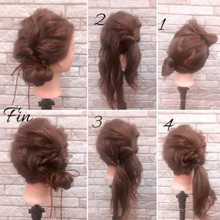 簡単ヘアアレンジ 春 ナチュラル くるりんぱ ヘアスタイルや髪型の写真・画像 ヘアスタイルや髪型の写真・画像