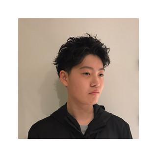 ナチュラル メンズ メンズパーマ パーマ ヘアスタイルや髪型の写真・画像