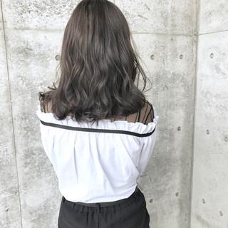 グレージュ パーマ 女子会 アッシュグレージュ ヘアスタイルや髪型の写真・画像