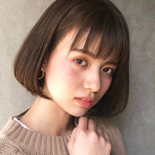 大人かわいい アンニュイほつれヘア ナチュラル ボブ ヘアスタイルや髪型の写真・画像