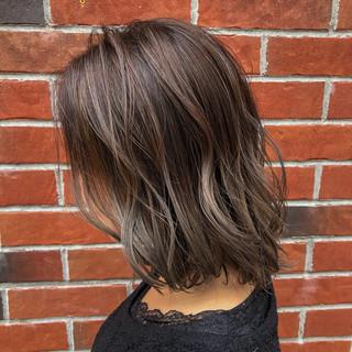 アディクシーカラー セミロング 切りっぱなしボブ ハイライト ヘアスタイルや髪型の写真・画像
