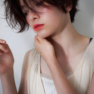 フェミニン シナモンベージュ デート ショート ヘアスタイルや髪型の写真・画像