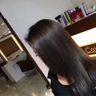グレーアッシュ オフィス ロング ブルージュ ヘアスタイルや髪型の写真・画像 ヘアスタイルや髪型の写真・画像