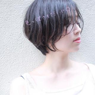 ショート パーマ ナチュラル 大人かわいい ヘアスタイルや髪型の写真・画像