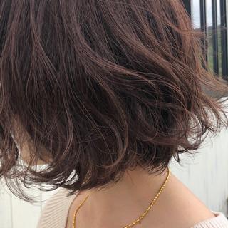 ショート ショートヘア ナチュラル ピンクブラウン ヘアスタイルや髪型の写真・画像
