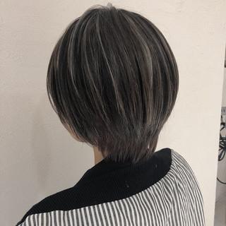 ショート ショートヘア ミニボブ 3Dカラー ヘアスタイルや髪型の写真・画像
