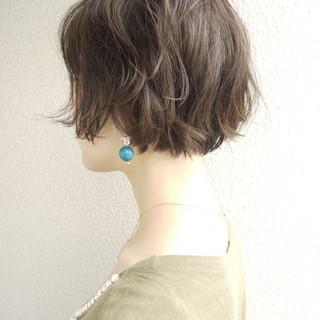 エレガント 上品 ショート フェミニン ヘアスタイルや髪型の写真・画像 ヘアスタイルや髪型の写真・画像