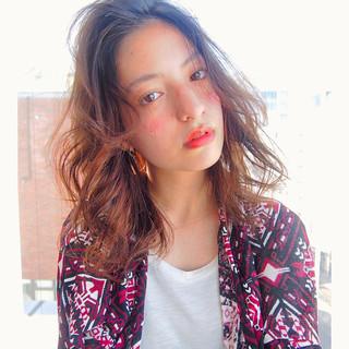 ストレート 大人かわいい 外国人風 ミディアム ヘアスタイルや髪型の写真・画像