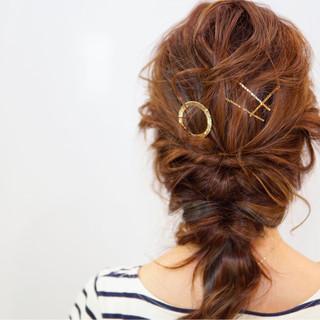ヘアアクセ ショート 簡単ヘアアレンジ フェミニン ヘアスタイルや髪型の写真・画像 ヘアスタイルや髪型の写真・画像
