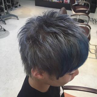 坊主 ボーイッシュ ショート グレー ヘアスタイルや髪型の写真・画像