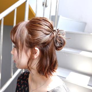切りっぱなしボブ 簡単ヘアアレンジ フェミニン ヘアアレンジ ヘアスタイルや髪型の写真・画像