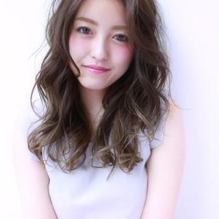 グラデーションカラー ゆるふわ 外国人風 ロング ヘアスタイルや髪型の写真・画像