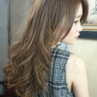 外国人風 グラデーションカラー ロング ハイライト ヘアスタイルや髪型の写真・画像