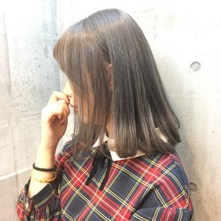 外国人風カラー ボブ シルバーアッシュ シルバー ヘアスタイルや髪型の写真・画像 ヘアスタイルや髪型の写真・画像