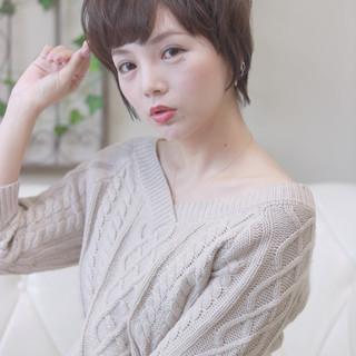 ショート 透明感 フェミニン 秋 ヘアスタイルや髪型の写真・画像