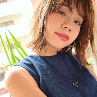 ミディアム 外ハネ 外国人風 ストリート ヘアスタイルや髪型の写真・画像