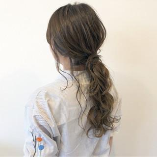 二次会 エレガント アッシュグレージュ ロング ヘアスタイルや髪型の写真・画像
