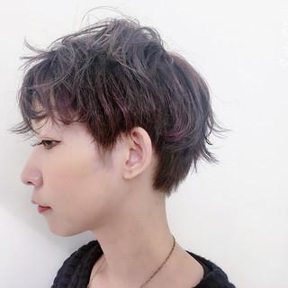 前髪あり パーマ アッシュ ハイライト ヘアスタイルや髪型の写真・画像