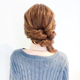 アウトドア ロング ヘアアレンジ フェミニン ヘアスタイルや髪型の写真・画像