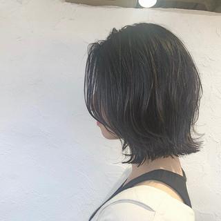 ダークトーン デート 黒髪 切りっぱなしボブ ヘアスタイルや髪型の写真・画像