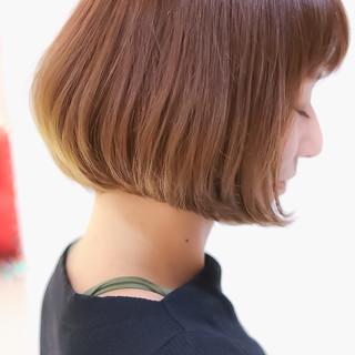 ボブ オリーブアッシュ ナチュラル 透明感カラー ヘアスタイルや髪型の写真・画像