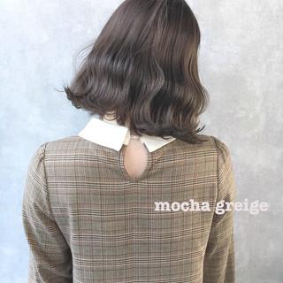 ナチュラル オリーブベージュ セミロング ピンクベージュ ヘアスタイルや髪型の写真・画像