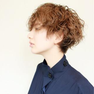 イルミナカラー モード ハイライト 外国人風 ヘアスタイルや髪型の写真・画像