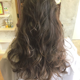外国人風 グラデーションカラー ナチュラル グレージュ ヘアスタイルや髪型の写真・画像