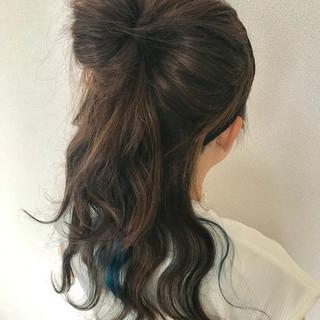 お団子アレンジ ロング ヘアアレンジ ナチュラル ヘアスタイルや髪型の写真・画像
