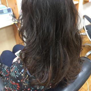ウェーブ 上品 エレガント ロング ヘアスタイルや髪型の写真・画像 ヘアスタイルや髪型の写真・画像