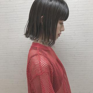 女子会 ハイライト 切りっぱなし ストリート ヘアスタイルや髪型の写真・画像