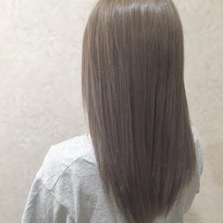 セミロング オフィス グレージュ デート ヘアスタイルや髪型の写真・画像