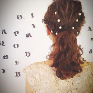 三つ編み ヘアアレンジ セミロング 簡単ヘアアレンジ ヘアスタイルや髪型の写真・画像
