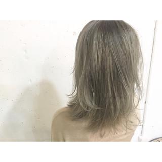 グラデーションカラー 大人かわいい ミディアム ストレート ヘアスタイルや髪型の写真・画像