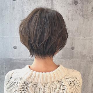 イルミナカラー ナチュラル ショート 小顔ショート ヘアスタイルや髪型の写真・画像