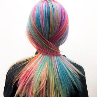 カラフルカラー ハイトーンカラー 派手髪 モード ヘアスタイルや髪型の写真・画像