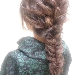 大人女子 ロング 編み込み フィッシュボーン ヘアスタイルや髪型の写真・画像 ヘアスタイルや髪型の写真・画像