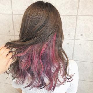 フェミニン セミロング クリーミーカラー ユニコーンカラー ヘアスタイルや髪型の写真・画像
