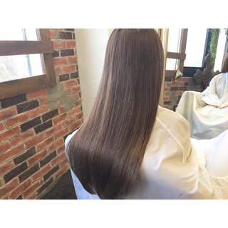 ミルクティーベージュ 透明感 ストリート アッシュベージュ ヘアスタイルや髪型の写真・画像