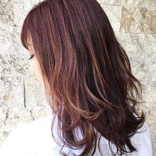 フェミニン ピンクアッシュ 女子力 ウェーブ ヘアスタイルや髪型の写真・画像