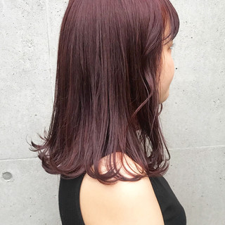 ミディアム ピンク パープル レッド ヘアスタイルや髪型の写真・画像