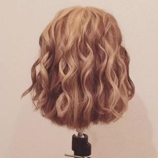 ねじり ヘアアレンジ ボブ 簡単ヘアアレンジ ヘアスタイルや髪型の写真・画像