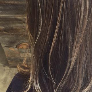 ハイライト 外国人風 外ハネ セミロング ヘアスタイルや髪型の写真・画像