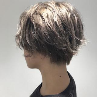 ブリーチ グレージュ ガーリー ウェットヘア ヘアスタイルや髪型の写真・画像